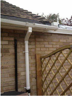 AB Conservatories DID NOT do this guttering.
